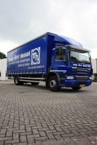 Vrachtwagen van der maat